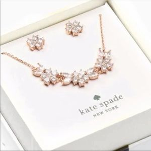 gleaming gardenia necklace and studs boxed set